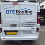 Lettertotaal autobelettering bestickering bedrijfsbus DTE Roofing