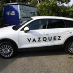 Lettertotaal autobelettering autobestickering Vazquez